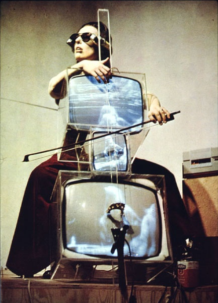 nam-june-paik-tv-cello-1971